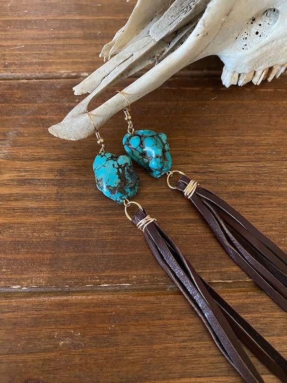 Cowhide leather teardrop earrings-Hair on hide earrings-brindle-western fashion-rodeo fashion-country-western jewelry-turquoise-boho