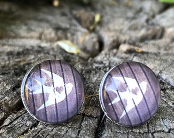 Surgeon steel studs Schwalbe, earrings with swallow print, shabby chic, suited for people with allergies, customizable, summer earrings