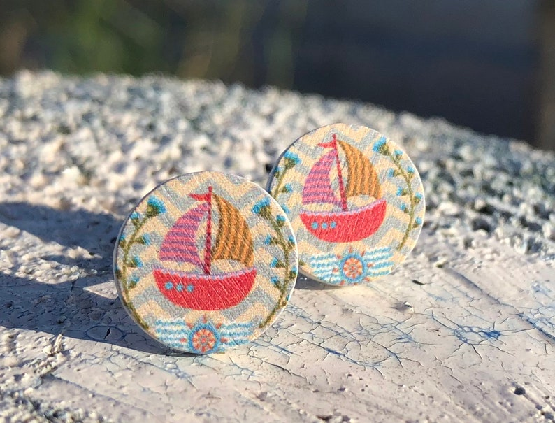 Light Holzohr plug with sailboat hypoallergenic thanks to image 0