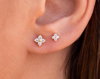 Dainty Tiny Silver Sun Flower Stud Earrings**Minimalist Earring**Simple Daily Earrings**Mini Silver Flower Studs Earring**Bridesmaid Gift**