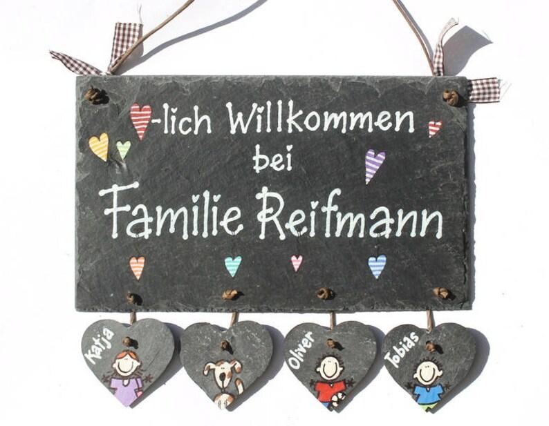 personalisiertes Türschild Familie mit Herzanhänger image 0