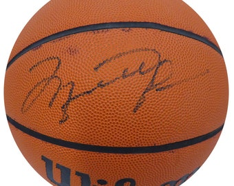 Michael Jordan Chicago Bulls Autographed Signed Basketball BECKETT