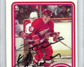 8dd9e93349a Steve Yzerman Detroit Red Wings Autographed Signed 1984 Topps Rookie Card  PSA