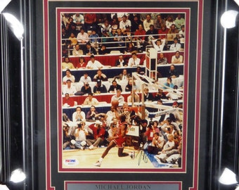 Michael Jordan Autographed Signed Framed 8x10 Photo PSA/DNA