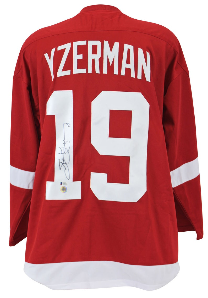 competitive price c4485 88198 Steve Yzerman Autographed Signed Detroit Red Wings Jersey BECKETT