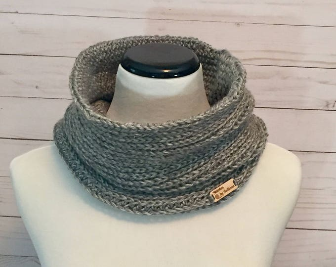Faux Knit Cowl in Grey