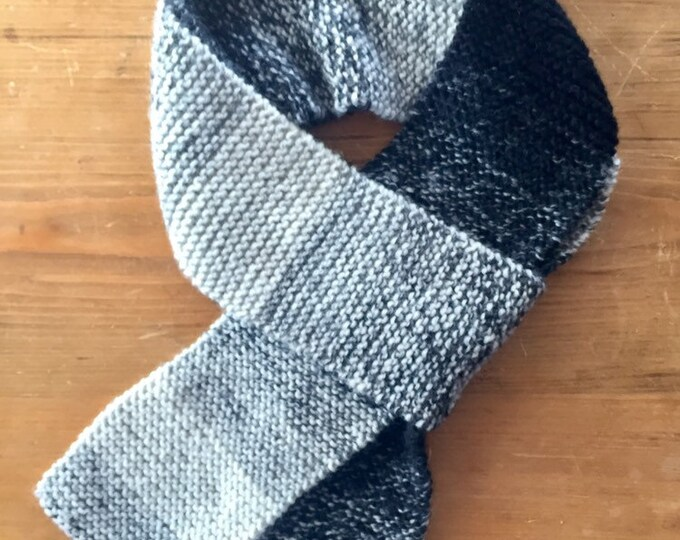 Classic Knit Scarf in Black/White