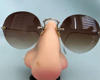 Vintage Sunglasses - Tinted lenses