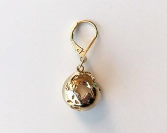 EL MUNDO golden progress keeper -- modern progress keepers, minimalistic knitting notions, globe pendant, gifts for knitters