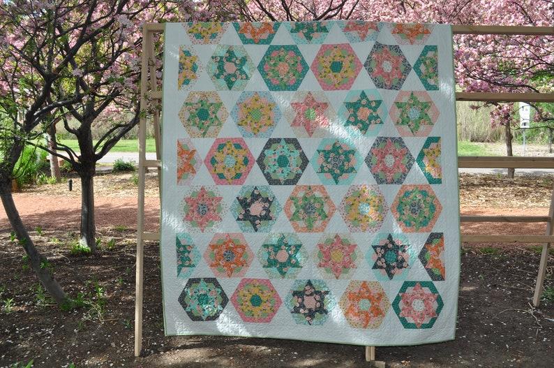 Tri-Hexa quilt pattern
