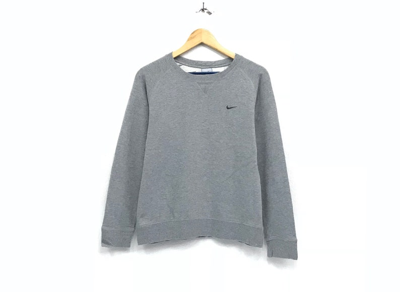 ae2c283e64fe1 Nike crewneck sweatshirts embroidery small logo sportswear / streetwear /  urban style / hip hop style / athletics wear / small large size
