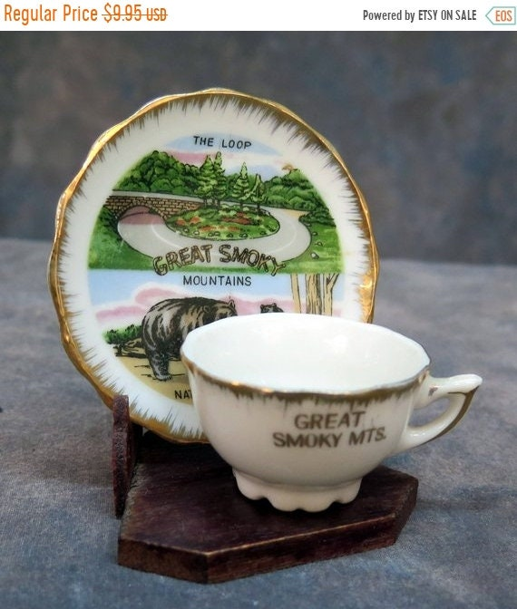 Great Smoky Mountains Souvenir Mini Tea Cup And Saucer Set With Wood Stand