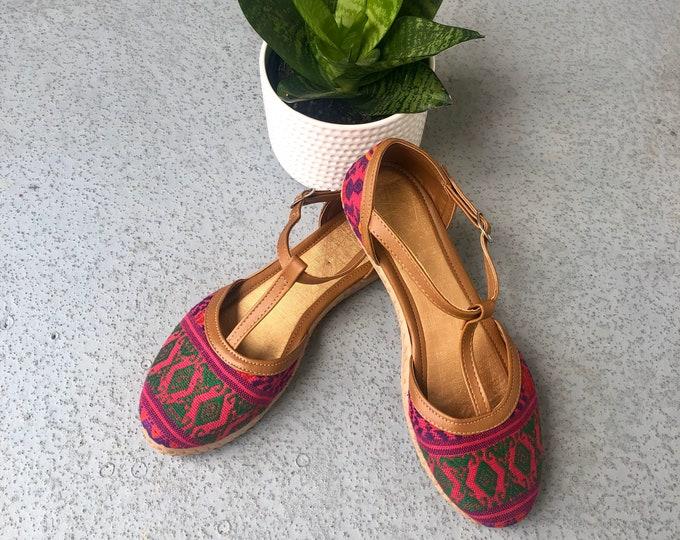 Rosa con Verde Huaraches Sandals
