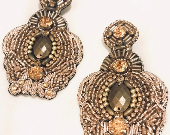 Eres Divina Earrings