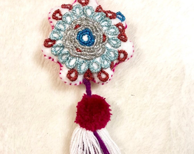 Snow Flake Tassel