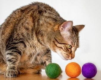 Cat Toys. Halloween Cat Toys. Catnip Infused Balls. Purple Orange Green. Pack Of 3. Large Catnip Balls. Catnip Toy. Felted Cat balls.