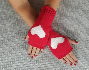 Fingerless Gloves, Red, Hearts, Arm Warmers, Mittens, Wrist Warmers, Gloves, Winter Gloves, Handwarmers, Yarn Gloves, Texting Gloves
