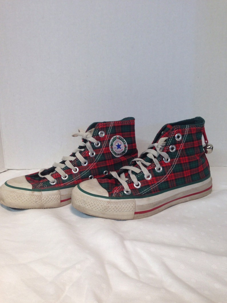 0351e8b8d137 Vintage 1980s Made in USA Converse All Stars Hi Tops Christmas