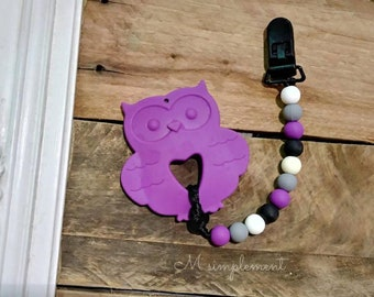 Teething toy clip. Mrs violet.