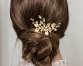 Gold hair comb Small bridal hair comb Bridal hair comb Bridal hair clip Gold hair clip Delicate hair comb Floral hairpiece Gold leaf comb