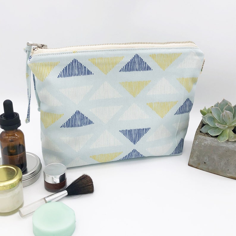 Organic cotton makeup bag  washable 100% organic.  Cosmetics image 0