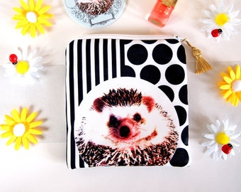 Hedgehog coin case,Hedgehog coin pouch,Hedgehog zip pouch, Hedgehog key case, Hedgehog Purse,Hedgehog gift,Mothers day gift,hedgehog lover