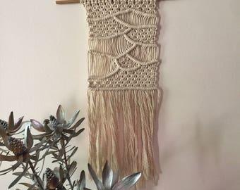 Macrame wall hanging // home decor // wall decor // behomenian decor // boho decor // macrame // wall art // cotton cord // bamboo base