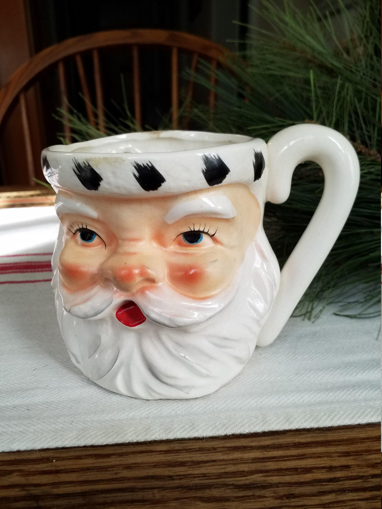 NEW K/&K Interiors Santa Face Ceramic Mug w//Holly On Hat