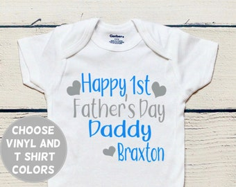 05a23208 Personalized Father's Day onesie | First Father's Day, Father's Day gift, Father's  Day onesie, Father's Day, Baby boy clothes, Daddy onesie