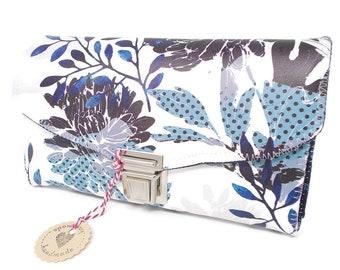 Geldbörse Damen weiß blau mit  Blumen, Portemonnaie floral