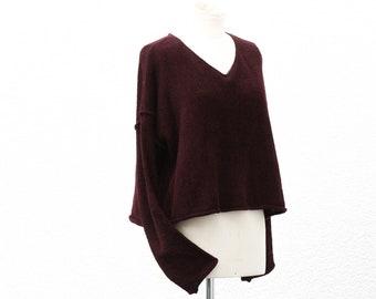 561ce1ada6c460 Kurzer und breiter Damen Pullover in fließender weinroter Viskose &  Baumwolle, short sweater knitted merino wool woman
