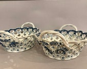 PAIR Antique Dr Wall Worcester 18th Century Reticulated Chestnut Baskets Blue White Porcelain