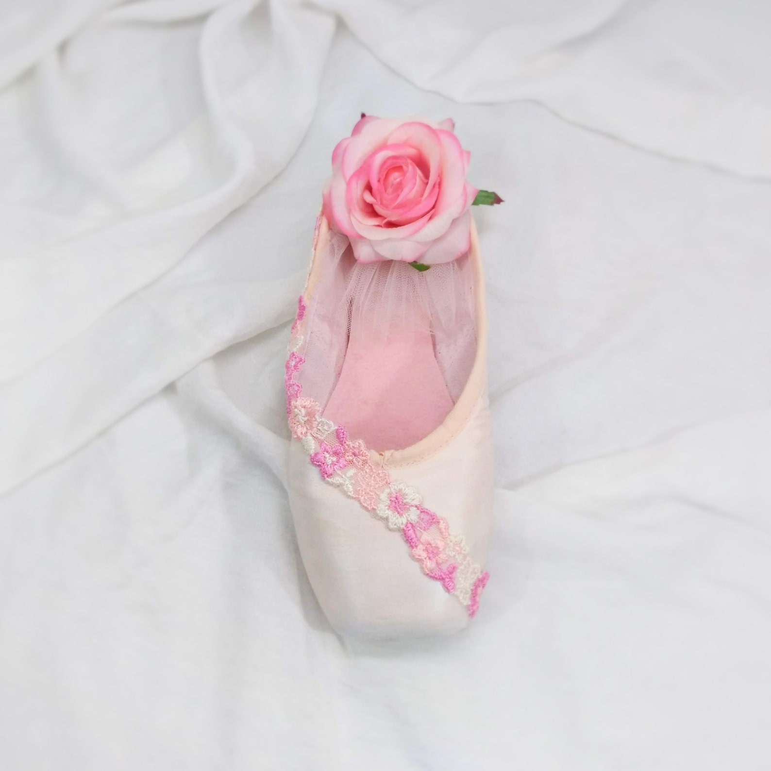 pretty in pink sugar plum fairy decorated pointe shoe, upcycled ballet gift, dancer décor, upcycled pointe shoe