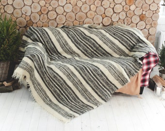 Gray striped plaid throw blanket, Wool throw blanket, Sofa throw cover, Wool blanket, Hand woven decorative throw, Scandinavian Rustic decor