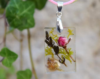 Necklace with flowers, Rectangular pendant with rose bud, Necklace in rustic style, Short necklace, Transparent resin pendant.