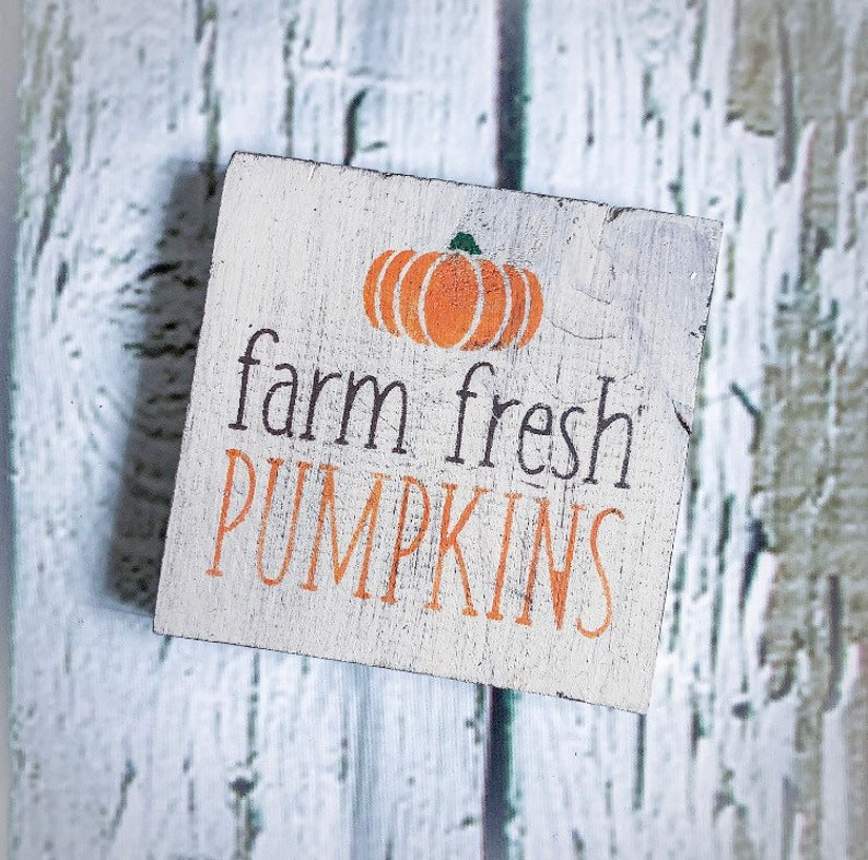 Mini Pumpkins Sign Decor