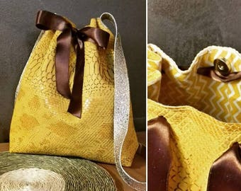 Sac seau simili cuir bucket bag effet crocro serpent ruban satin