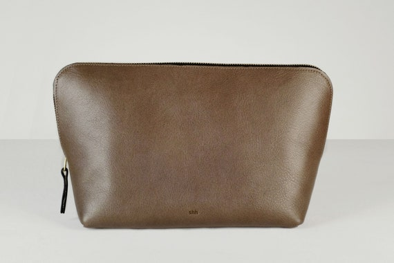 Cosmetic Bags, Three Sizes with Zipper, Genuine Leather, Color Elephant