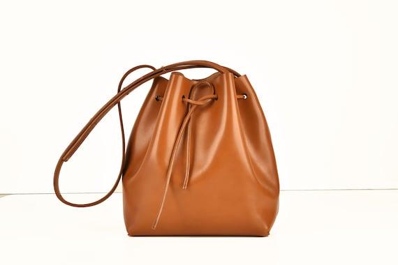 Classic Bucket Bag, Genuine Leather, Cognac