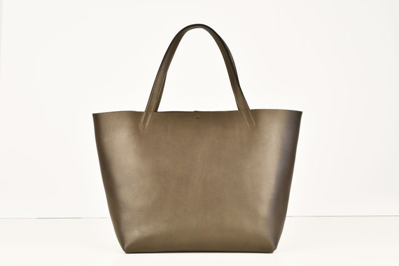 Large Tote in Elephant Genuine Leather
