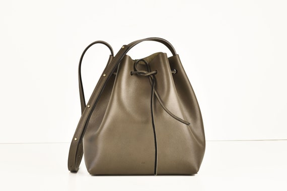Classic Bucket Bag, Real Leather, Elephant