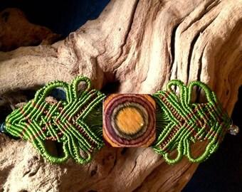 Macramé bracelet green big wooden button