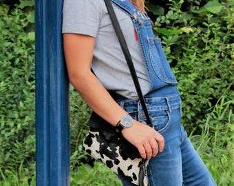 Cool leather shoulderbag with cowskin
