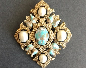 Sarah Coventry Vintage brooche from 1950s-1960s, vintage jewelry, Collectible vintage jewelry, pins and brooches, gold brooche, Jewelry