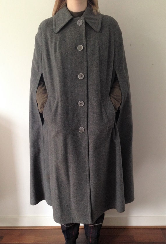 Vintage FREY Cape from the 70s //Loden GREY Wool c