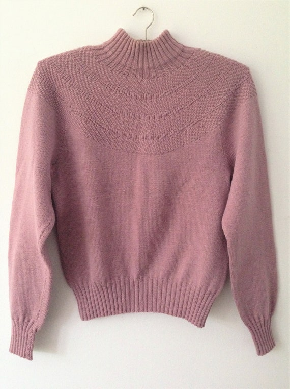 Vintage Handmade Antique pink sweater // Lovely pi