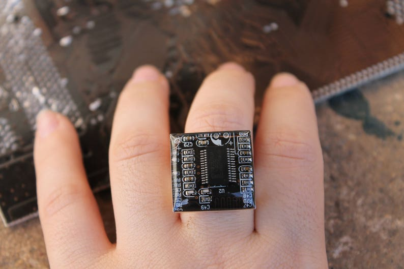 Computer ring made with a real motherboard  recycled  black image 0