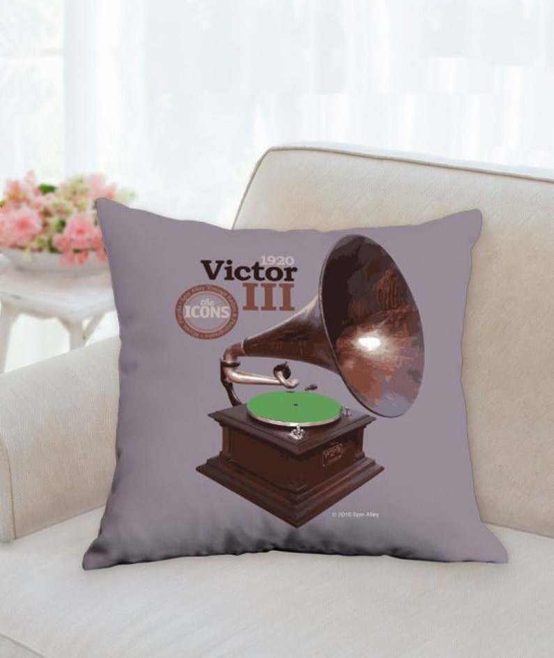 Spin Alley The Icons Victor III 18 x 18 Throw image 0