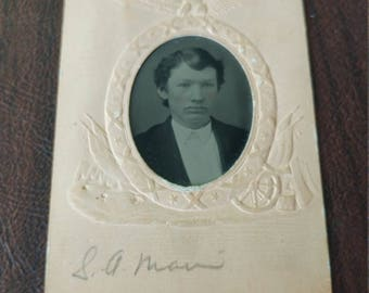 Civil War Paper-Framed Tintype Photograph of a Young Man