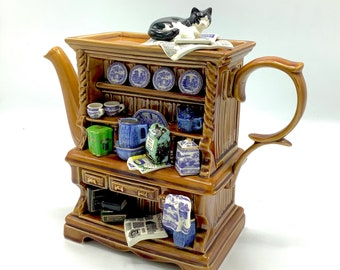 Perfect Condition! Large 6-Cup RINGTONS MILLENNIUM TEAPOT Designed by Paul Cardew / Welsh Dresser Teapot Limited Edition